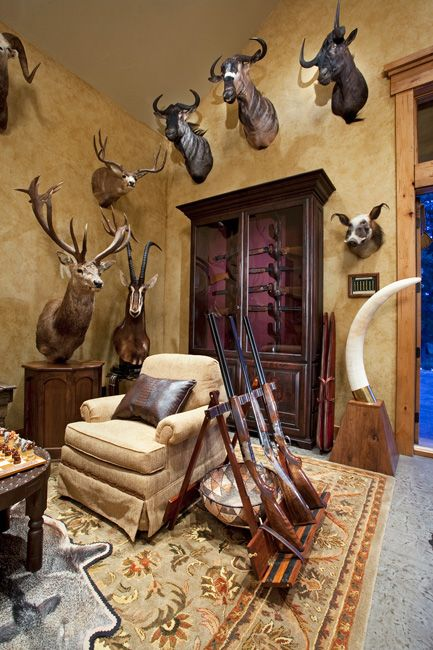 Trophy Room Hunting Room Trophy Rooms Taxidermy Decor