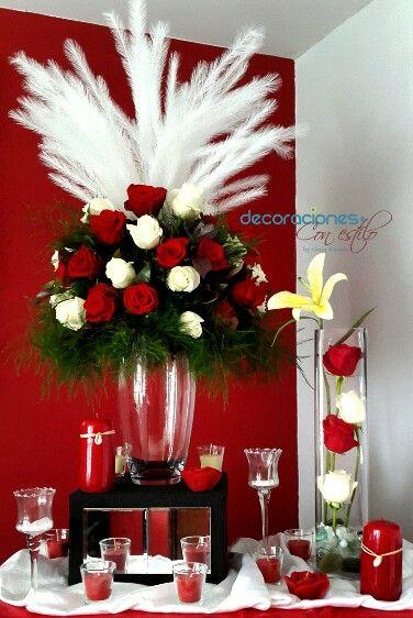 Hermosa Combinación Rojo Con Blanco Arreglo Floral Rosas