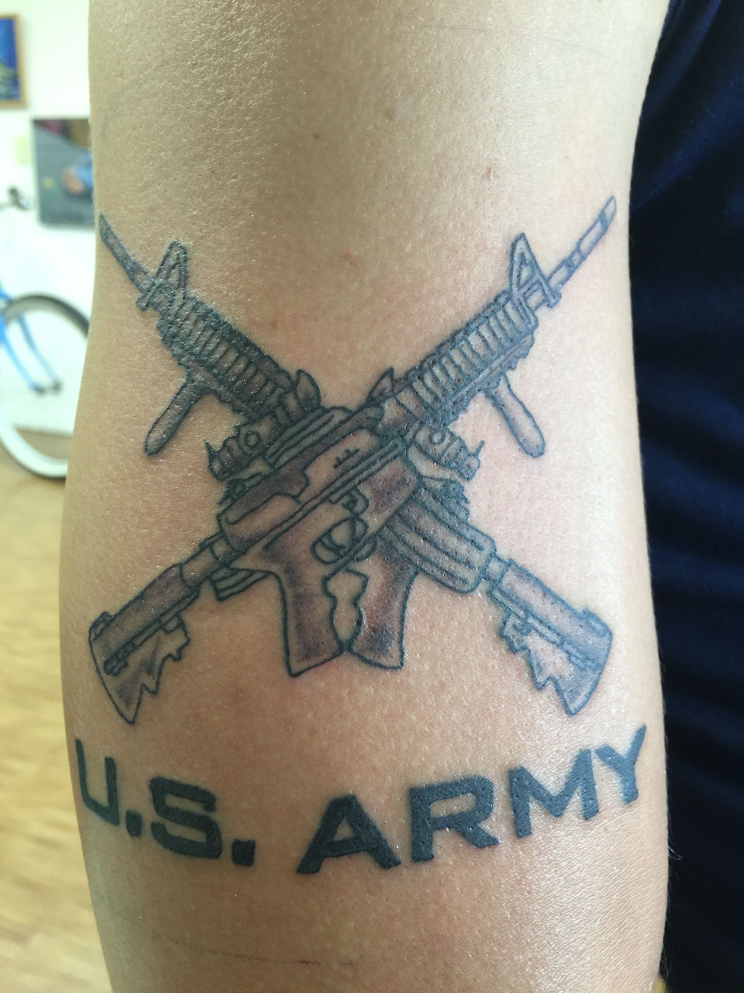 Us Army Crossed Rifles And Script Tattoo By Orlando Socarras Tattoos Tattoo Script Army Tattoos