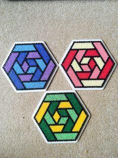 Hama Beads Hexagon 1 Bugelperlen Basteln Bugelperlen Hama Perlen Muster