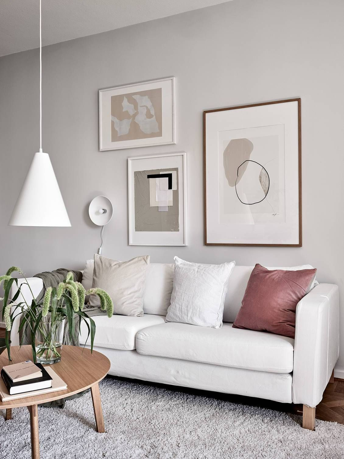 Living room in beige and nude