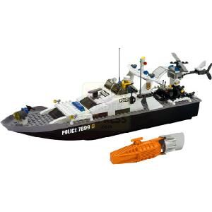 Lego City Police Boat Police Are In Pursuit Awesome Floating Police Boat With Powerful Motor For Real High Speed Police Http Power Boats Lego Boat Lego City