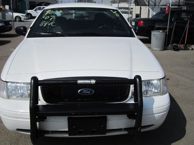 Ford Crown Victoria Police Interceptor P71 Police Package Seriously The Best Car I Ever Owned Victoria Police Ford Police Police Cars For Sale
