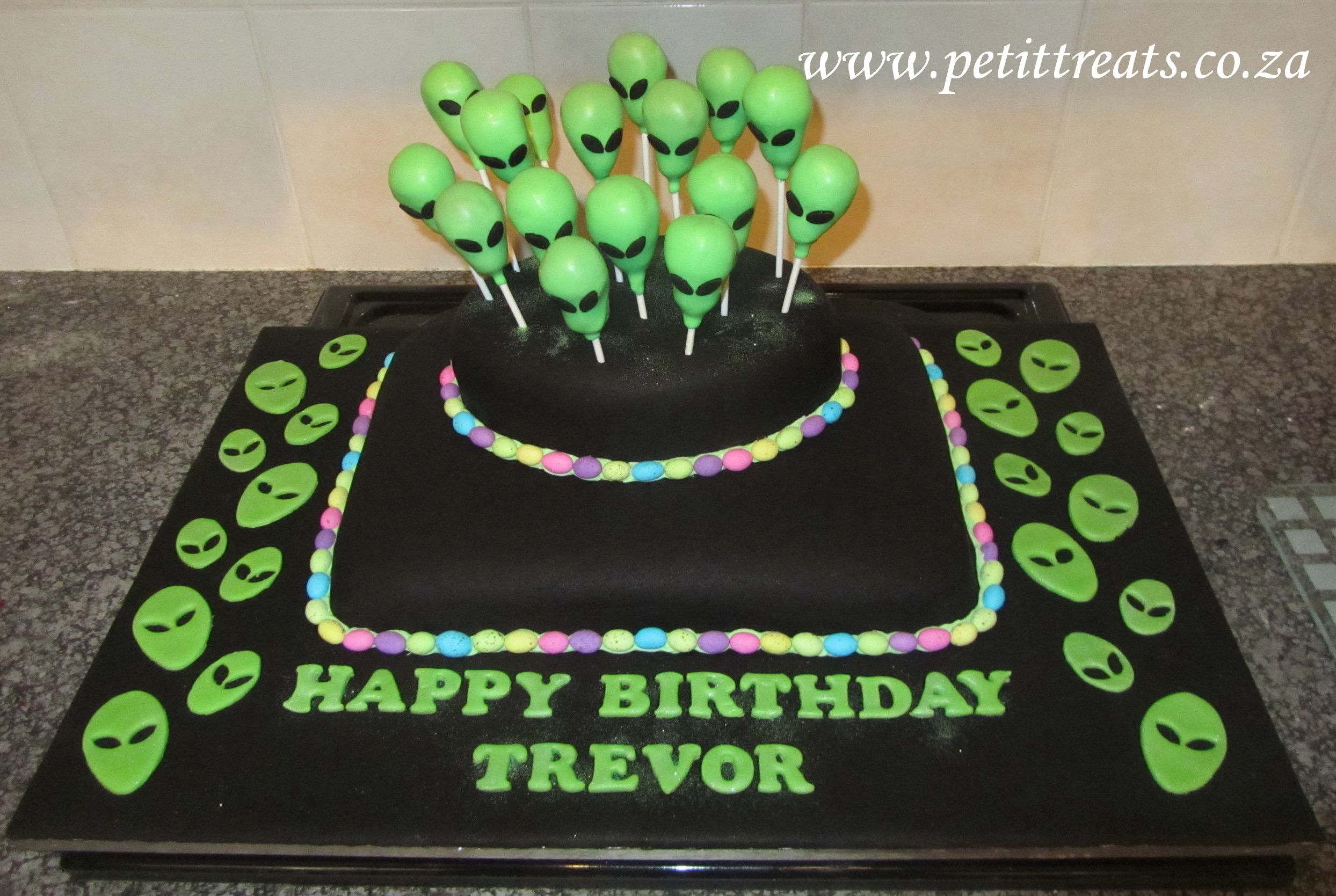 Surprising Alien Cake Created For A 16Th Birthday Party Theme Was Glow In Funny Birthday Cards Online Elaedamsfinfo