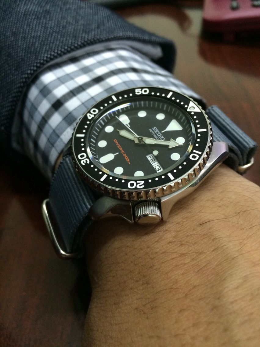 seiko skx007 on the gray nato strap watchs pinterest to find out nato strap and search. Black Bedroom Furniture Sets. Home Design Ideas