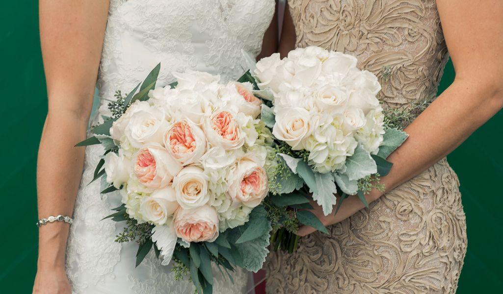 Beautiful girls, beautiful flowers and beautiful dresses!