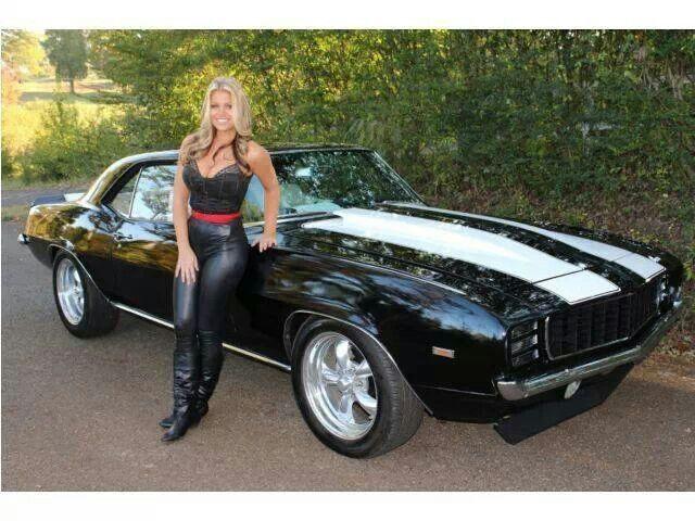 CAMARO SPORT & DRIVER GIRL.