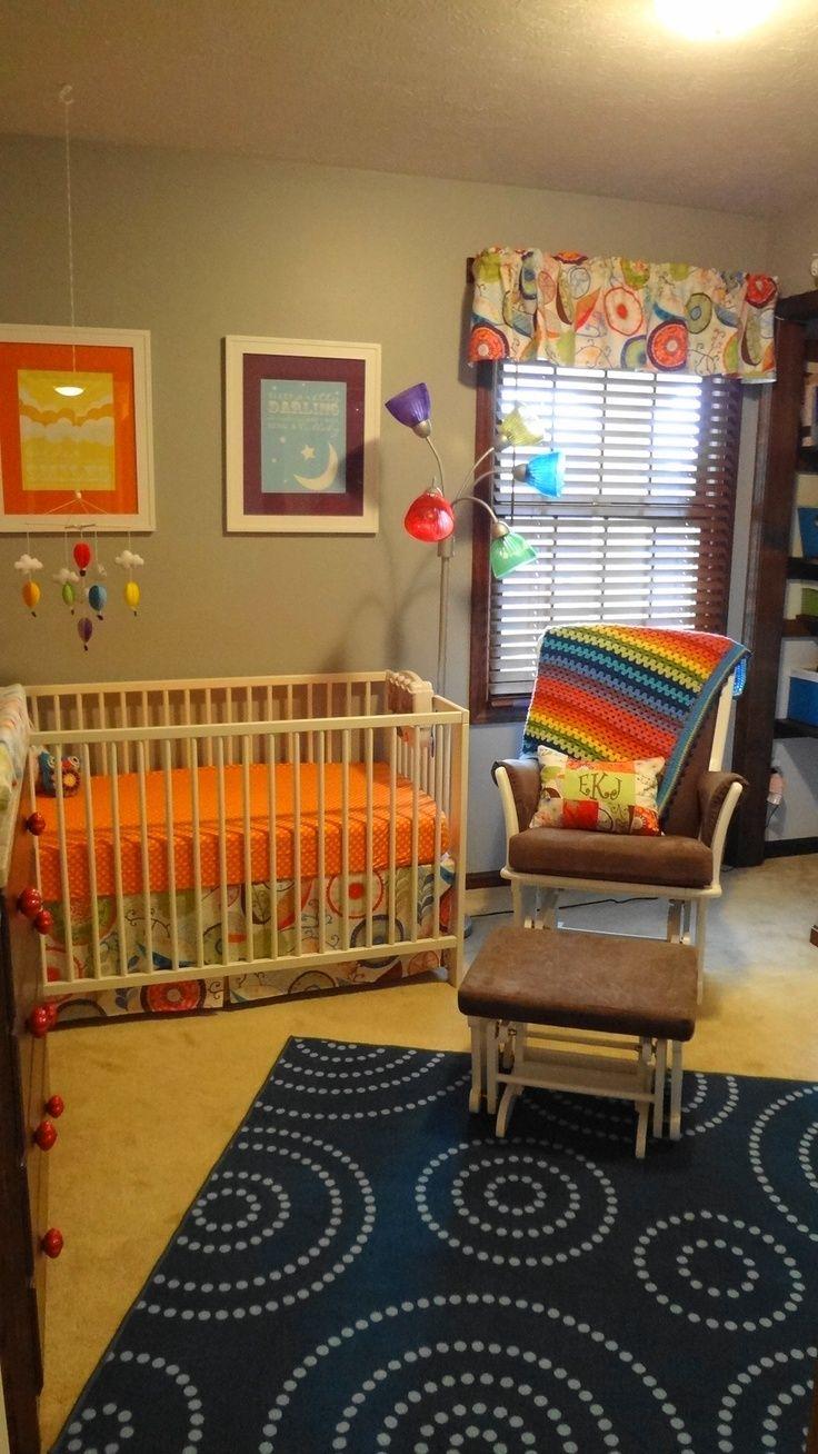 Kinderzimmer decke helles u buntes kinderzimmer liebe diese decke  kinderzimmer ideen