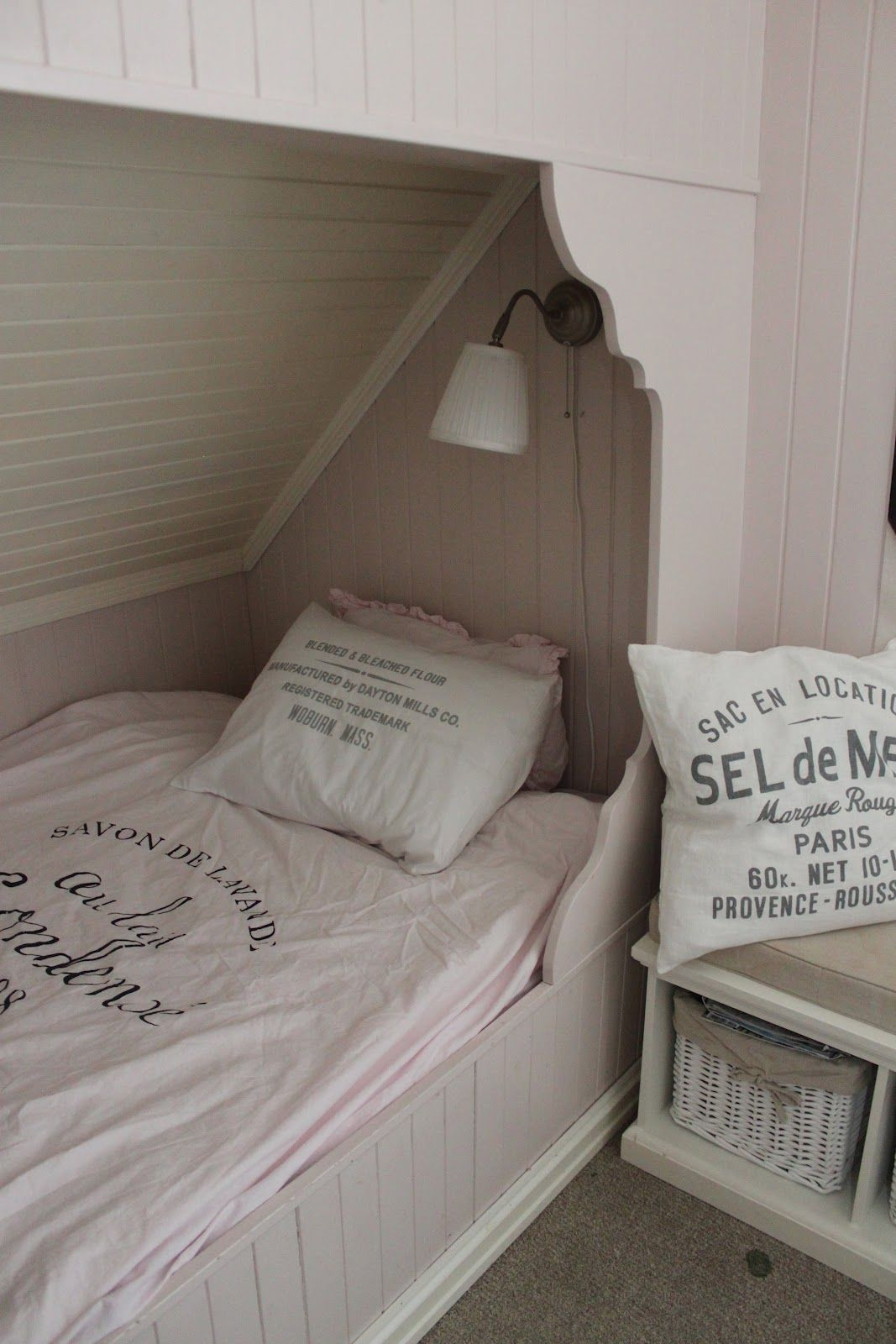 Very Cozy And Charming Bedroom Alkove