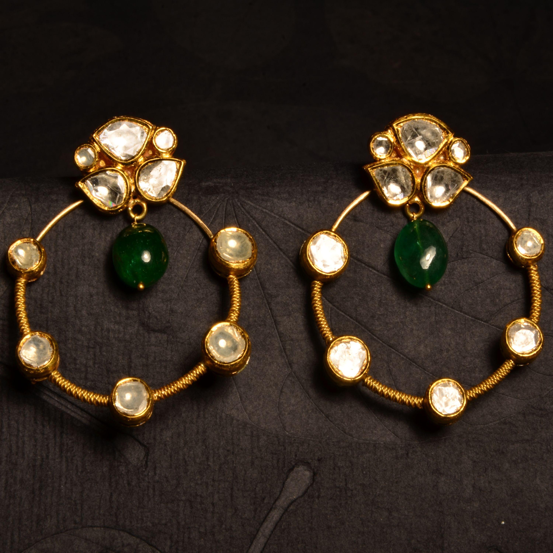 Young Kundan Versatile pair of kundan earrings in 22k gold