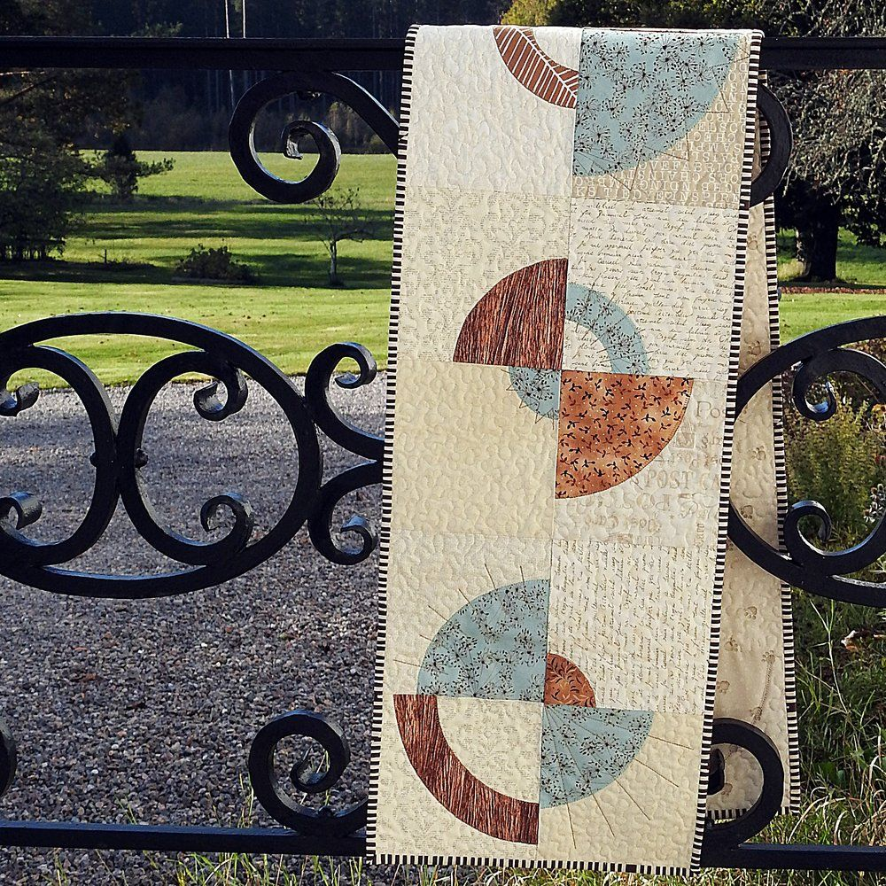 Circles Of Time Tablerunner Table Runners Holiday Table Runner Circle