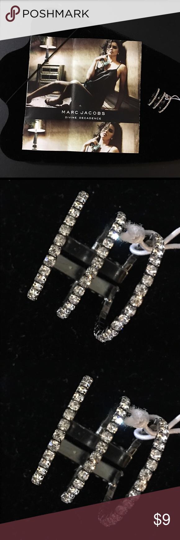 Silver Multi Diamond Finger Ring Silver Multi Diamond Finger Ring✨ Jewelry Rings