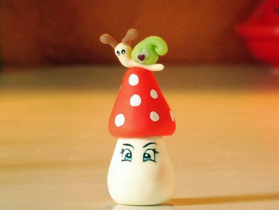 Ehi, ho trovato questa fantastica inserzione di Etsy su https://www.etsy.com/it/listing/398393167/mushroom-with-snail-wedding-favors-gift