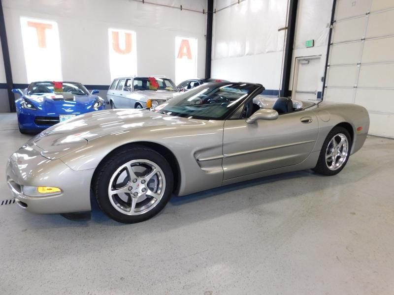 2002 Chevrolet Corvette 2dr Convertible 2002 Corvette
