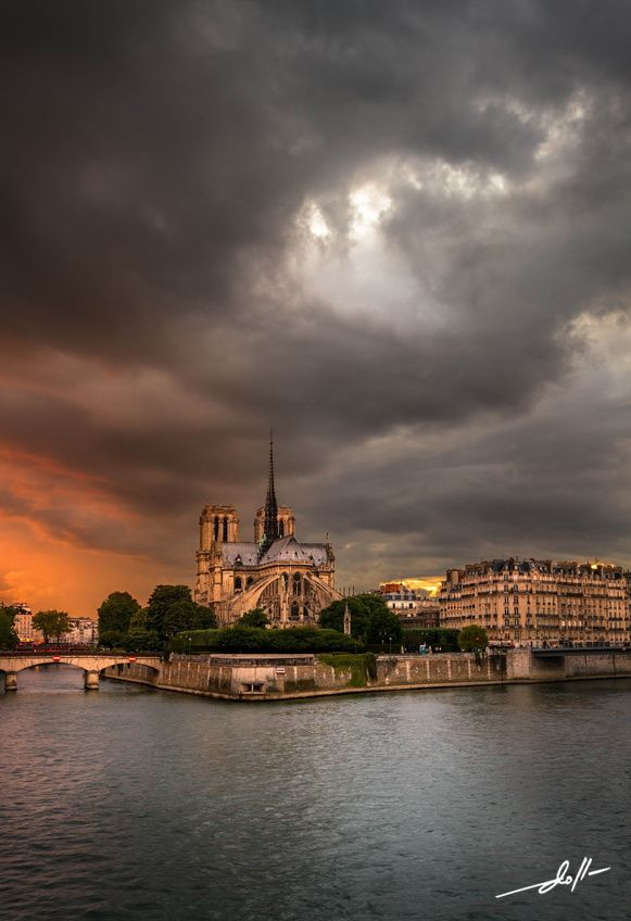 Notre Dame, Paris, under the Storm by Doll  Photography on 500px