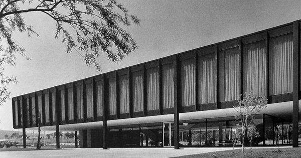 Edificio Administrativo Para Bacardi En Tultitlán México Arq Mies Van Der Rohe Misc Pinterest Mexic Flying Architecture Mies Van Der Rohe Van Der Rohe
