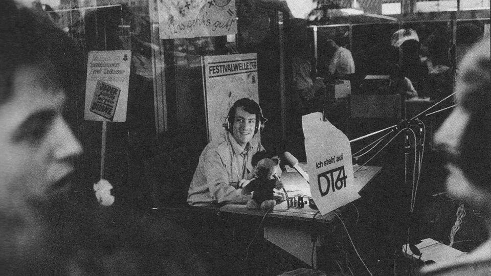 Moderator Achim Dresdner DT64-Sonderstudio-zum Jugendtreffen 1984.jpg (960×540)