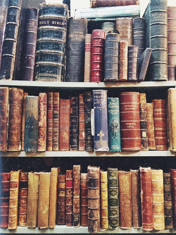 Camden Rd Flea Market books