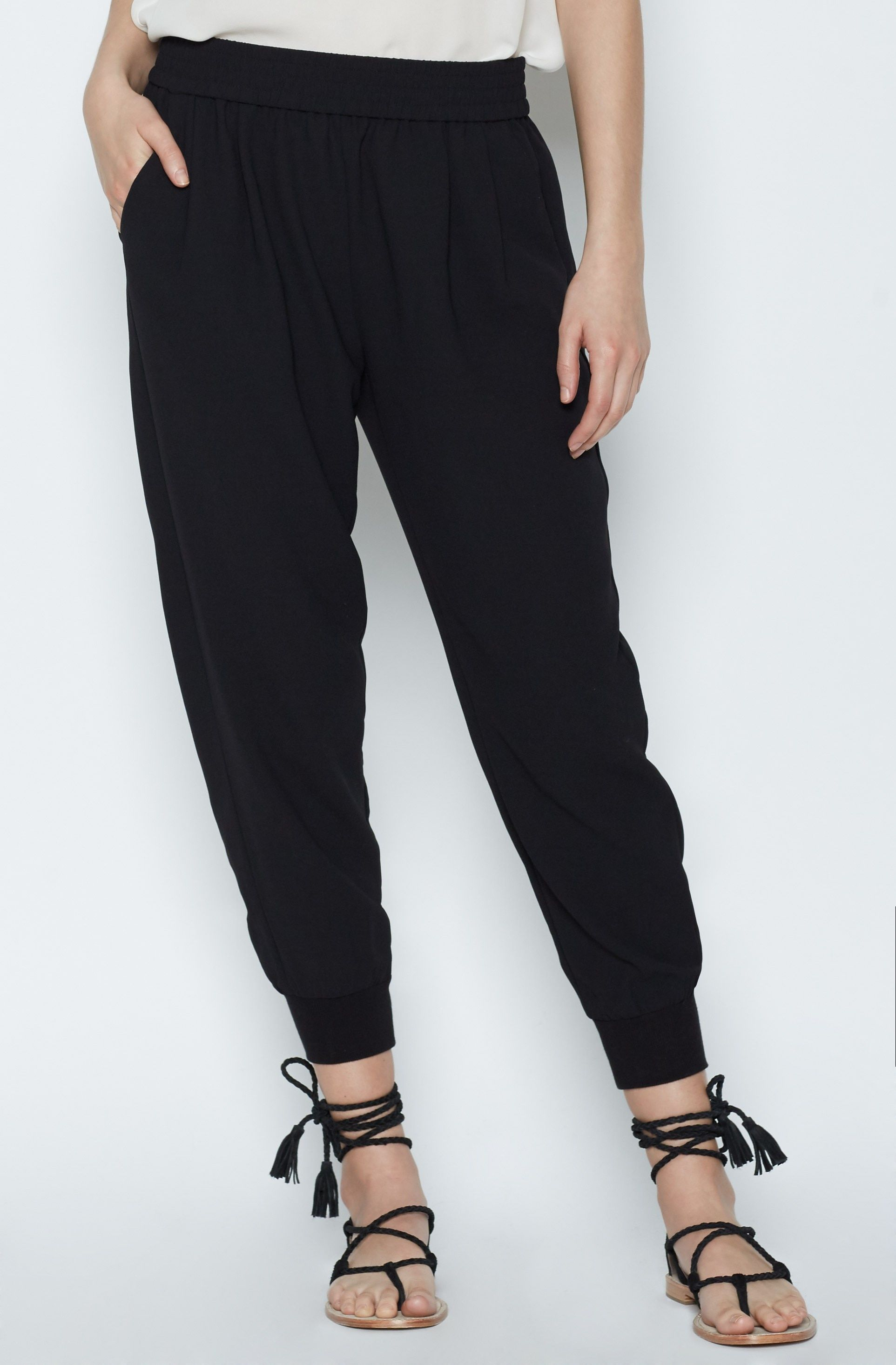 197ca84ff388 ... discount sale d95ac b19d7 Womens Mariner Crop Pant made of Polyester ...
