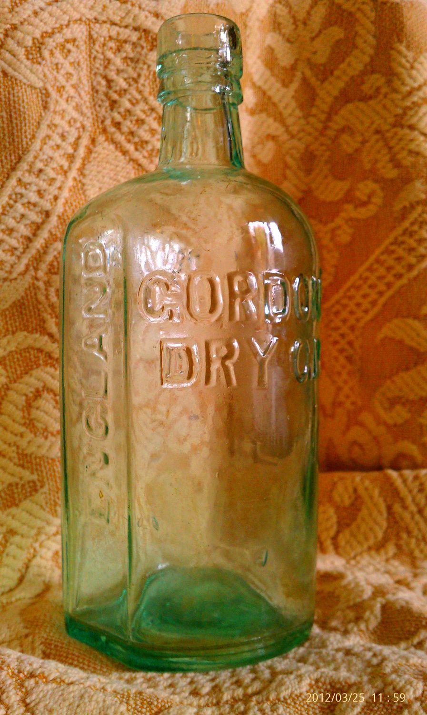 Vintage Gordon S Dry Gin Liquor Bottle Ca 1913 By Fleajito On Etsy 20 00 Gin Liquor Liquor Bottles Dry Gin