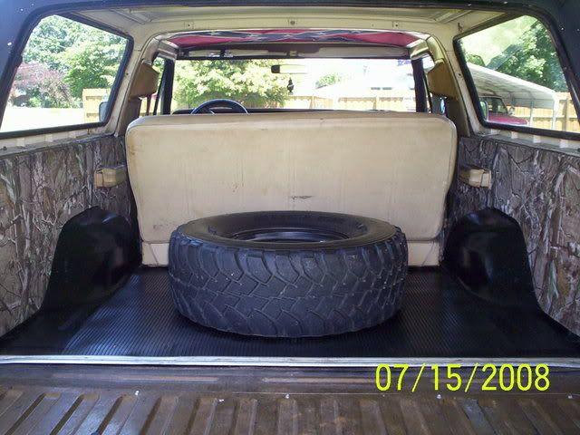 Ford Bronco Custom Cargo