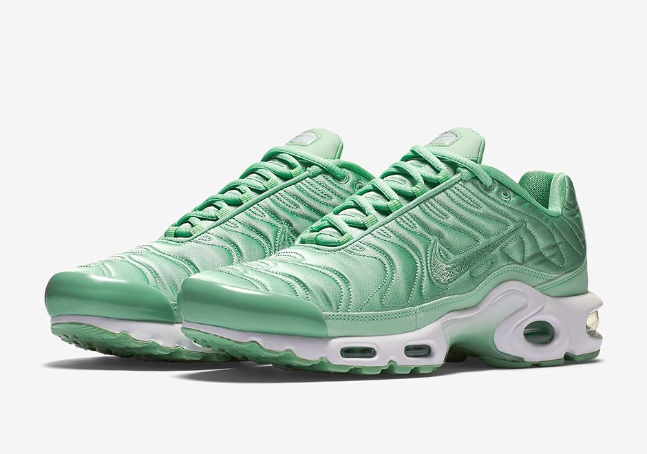 21ea1d66f512 The Nike Air Max Plus has been a go-to lifestyle model in European ...
