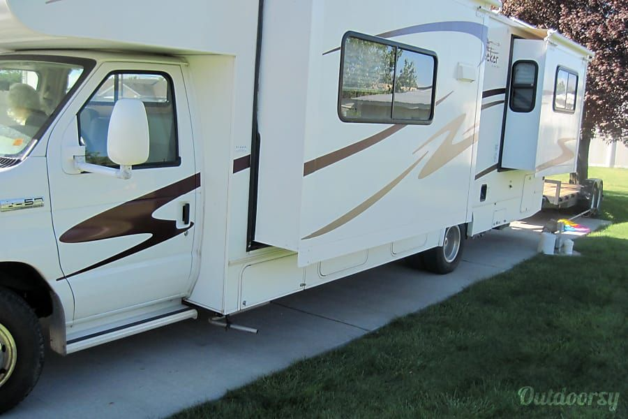 2007 Forest River Sunseeker Motor Home Class C Rental In Roy Ut Outdoorsy Forest River Recreational Vehicles Forest
