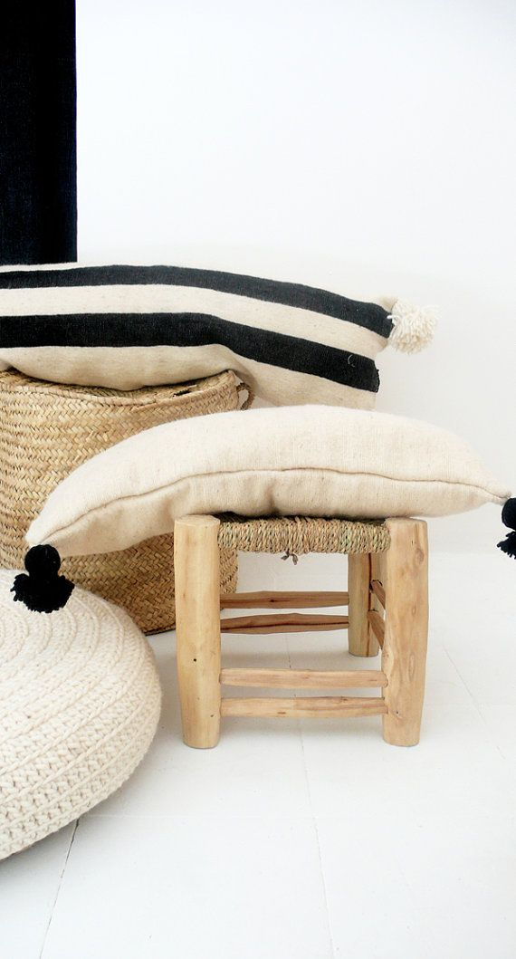 Moroccan pom pom wool pillow cover extra long in black - Telas marroquies ...