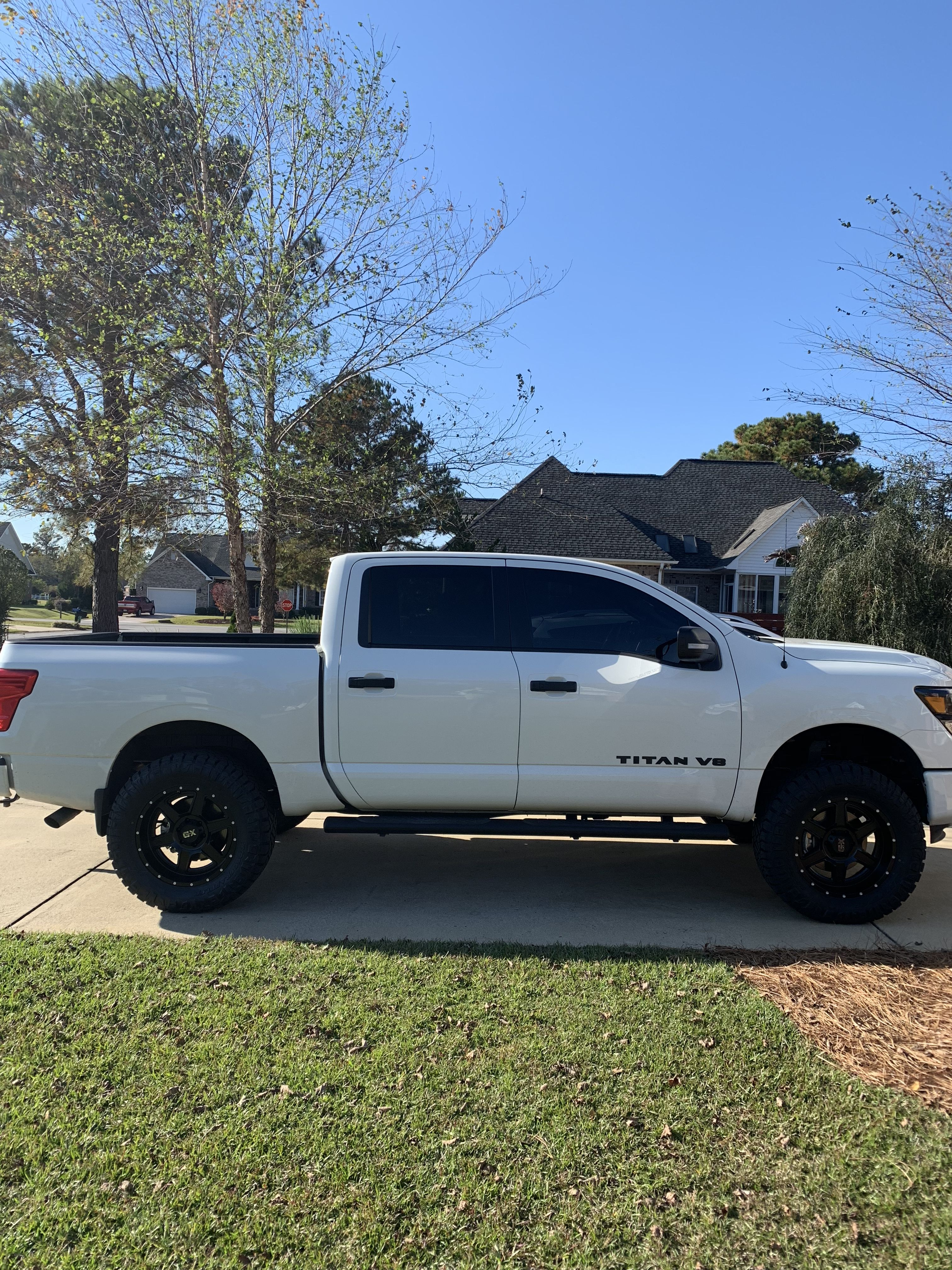 Lifted Nissan Titan >> 2018 midnight edition titan with 6 inch Fabtech suspension lift on 35's   Nissan titan xd ...