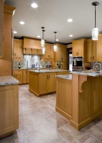Kitchens Natural Maple Cabinets Design Ideas Pictures Remodel And Decor Maple Kitchen Cabinets Kitchen Cabinets And Flooring Oak Kitchen Cabinets
