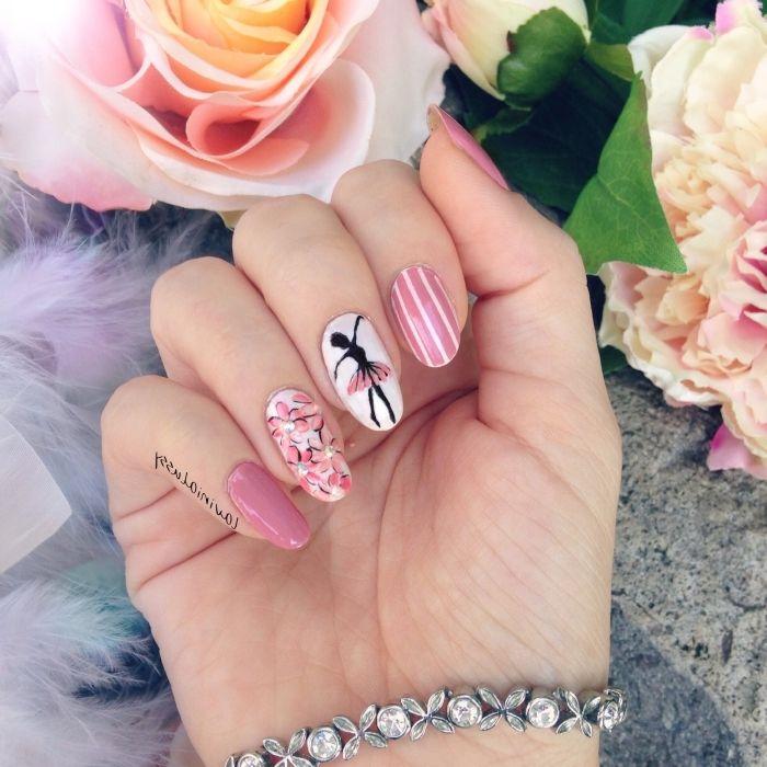 nail art idée à design ballerine avec ongles de couleur rose et décoration  florale sur l