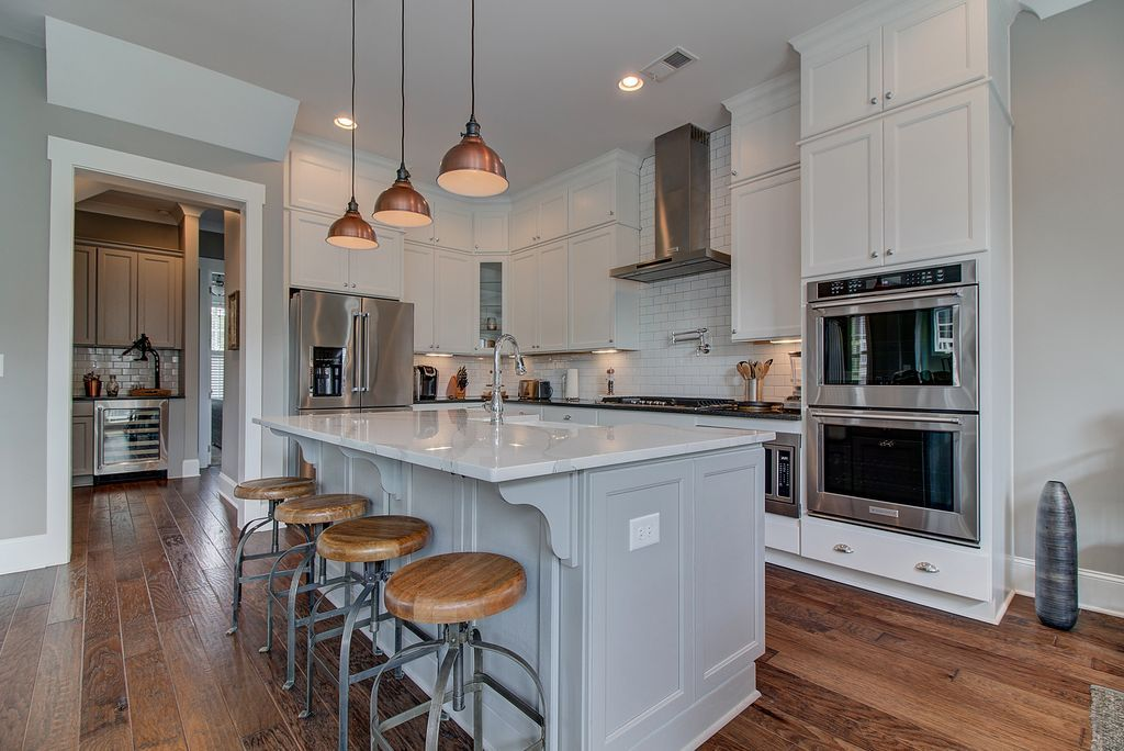4045 Declaration Dr Roswell Ga 30076 Mls 5889499 Zillow White Kitchen Cabinets Kitchen Cabinets Kitchen