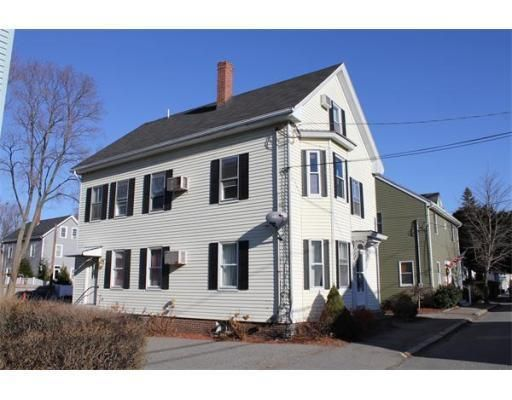 I Am Intoxicated With The Idea Of Living In Salem So My Next Few Posts Will Be House Showoffs House 1 Renting A House Condos For Rent House Styles
