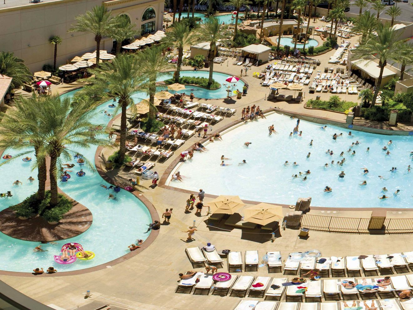 Best Family Pools In Las Vegas For Kids Family Vacation Hub Las Vegas With Kids Las Vegas Pool Vegas Pools