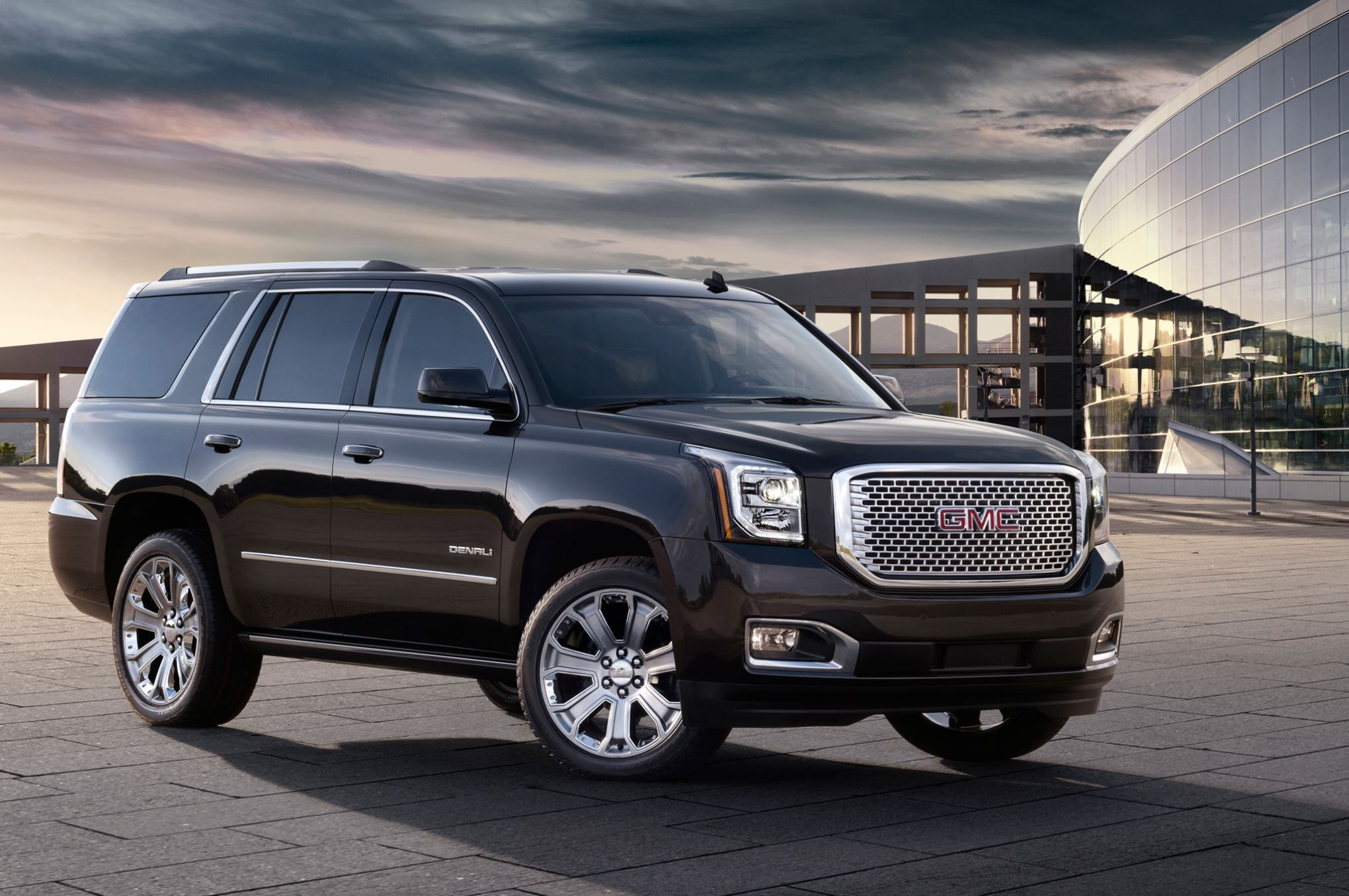 2015 Gmc Yukon Denali Mpgs Improve Thanks To Eight Speed Auto