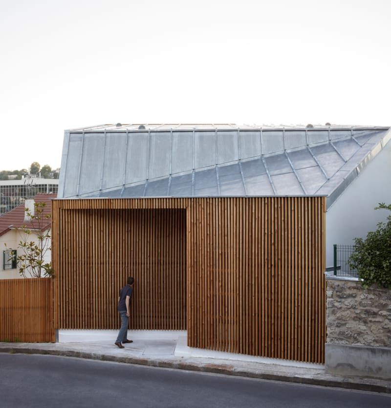 The Project Is Located On The Heights Of Sèvres On A Narrow Lot At The  Corner Of Two Streets In Slope With A Strong Vertical Drop: A Low Block  West And A ...
