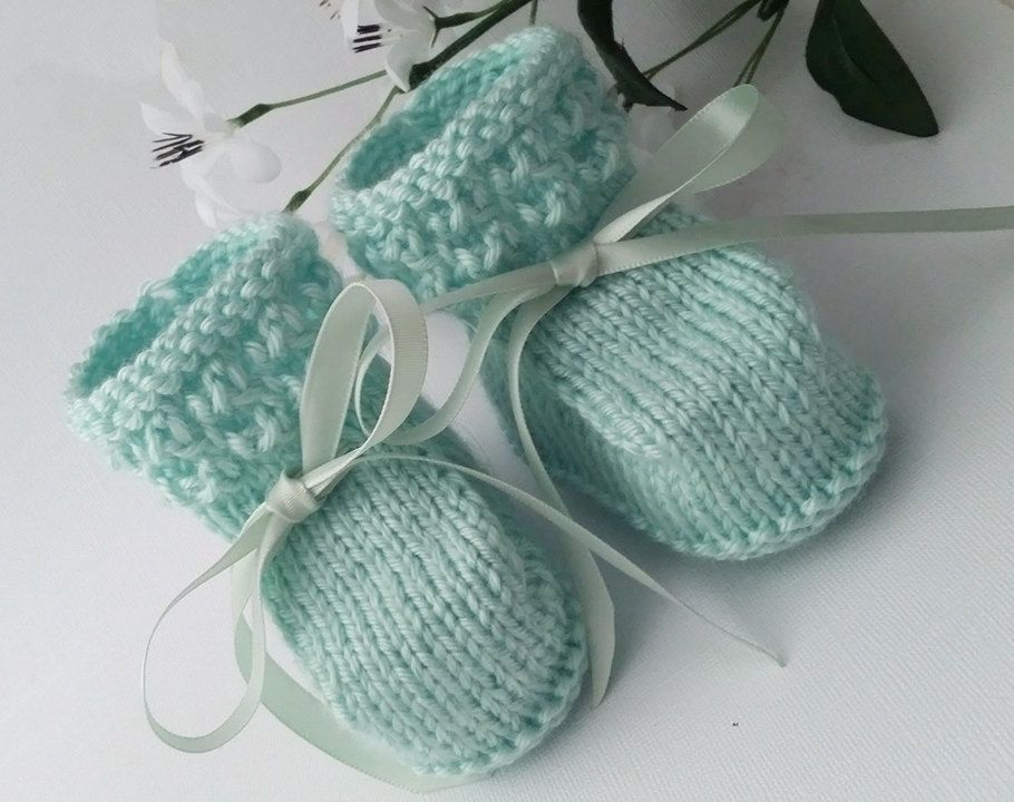 e35837bcd547 Mint Baby Booties
