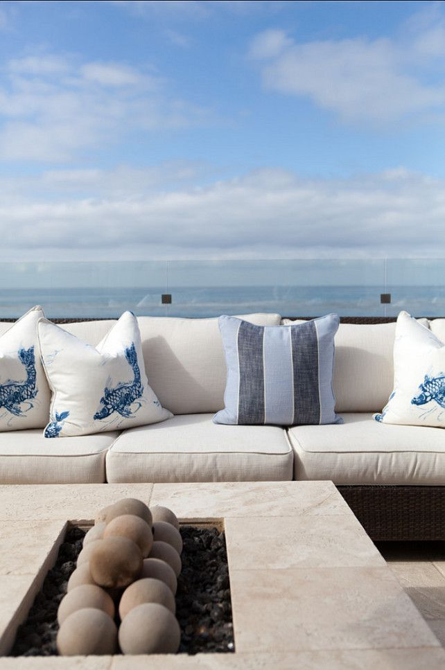 Santorini Patio Furniture: Classic Beach House With Coastal Interiors (Home Bunch