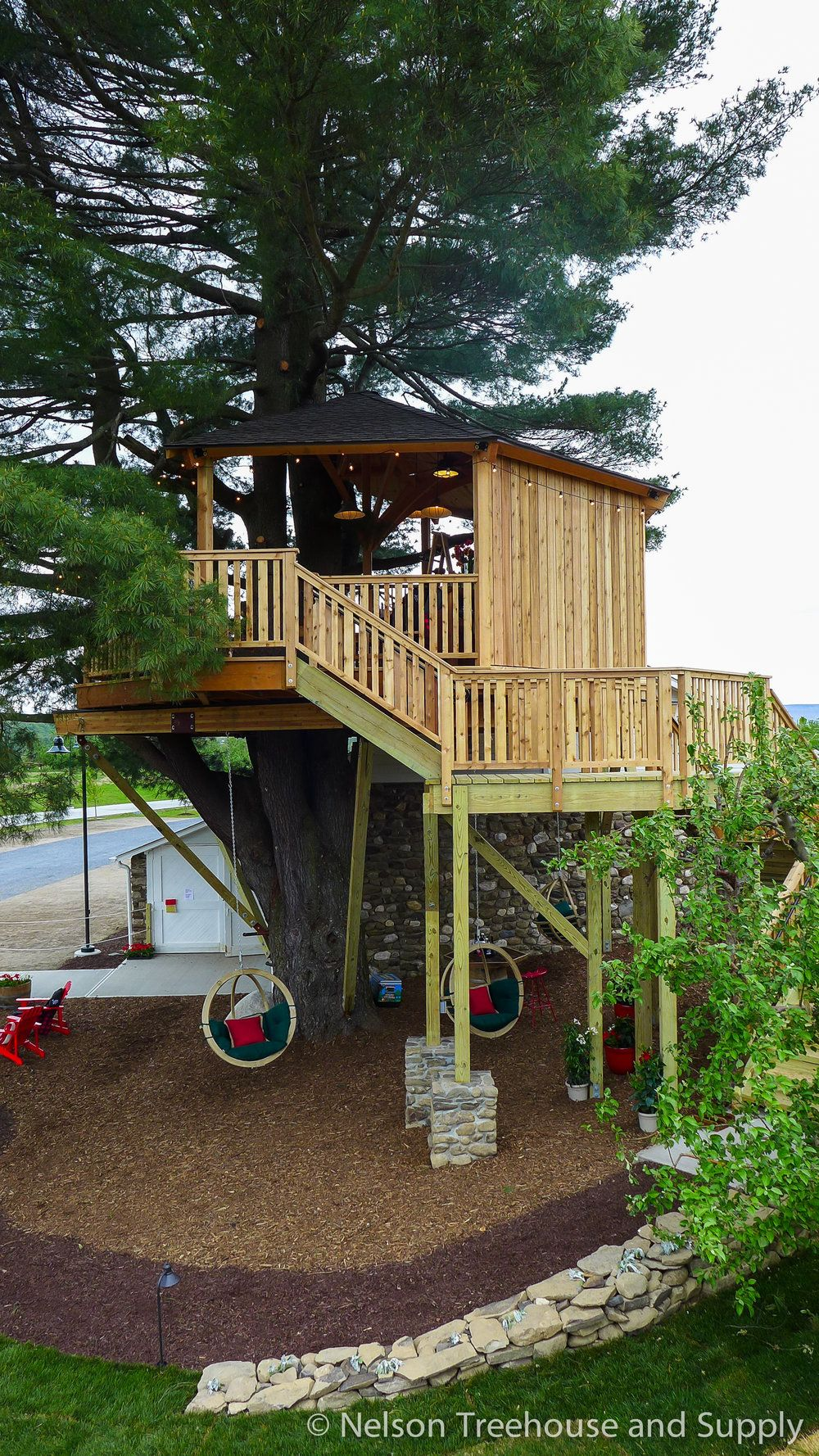 angry-orchard-treehouse-exterior-4