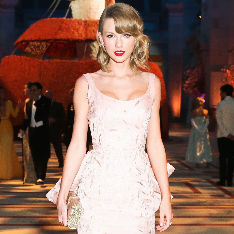 Taylor Swift On Her Cat's Pre-Met Gala Gown Attack | Met ...
