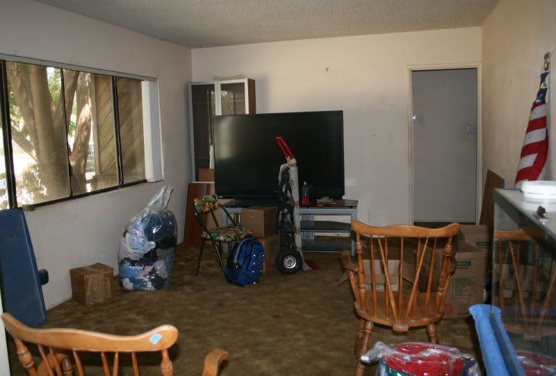 Poor living room google search garage soaps pinterest living rooms and room - Bad room pic ...
