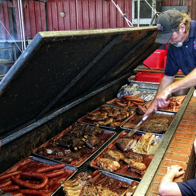 The Pit Bbq Places Bbq Restaurant Barbecue Restaurant