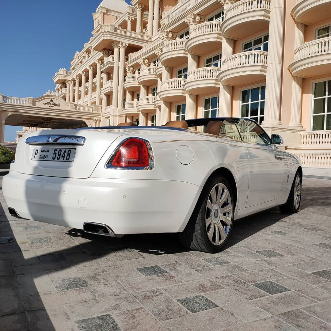 Rolls Royce Dawn For Rent Dubai In 2020 Luxury Car Rental Dubai Cars Rolls Royce Rental