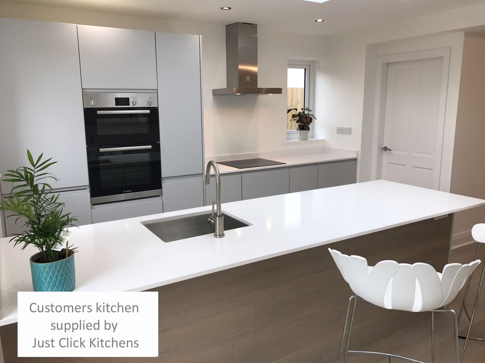 Best Rothwell Light Grey Matt Handleless Kitchen Doors In 2019 640 x 480