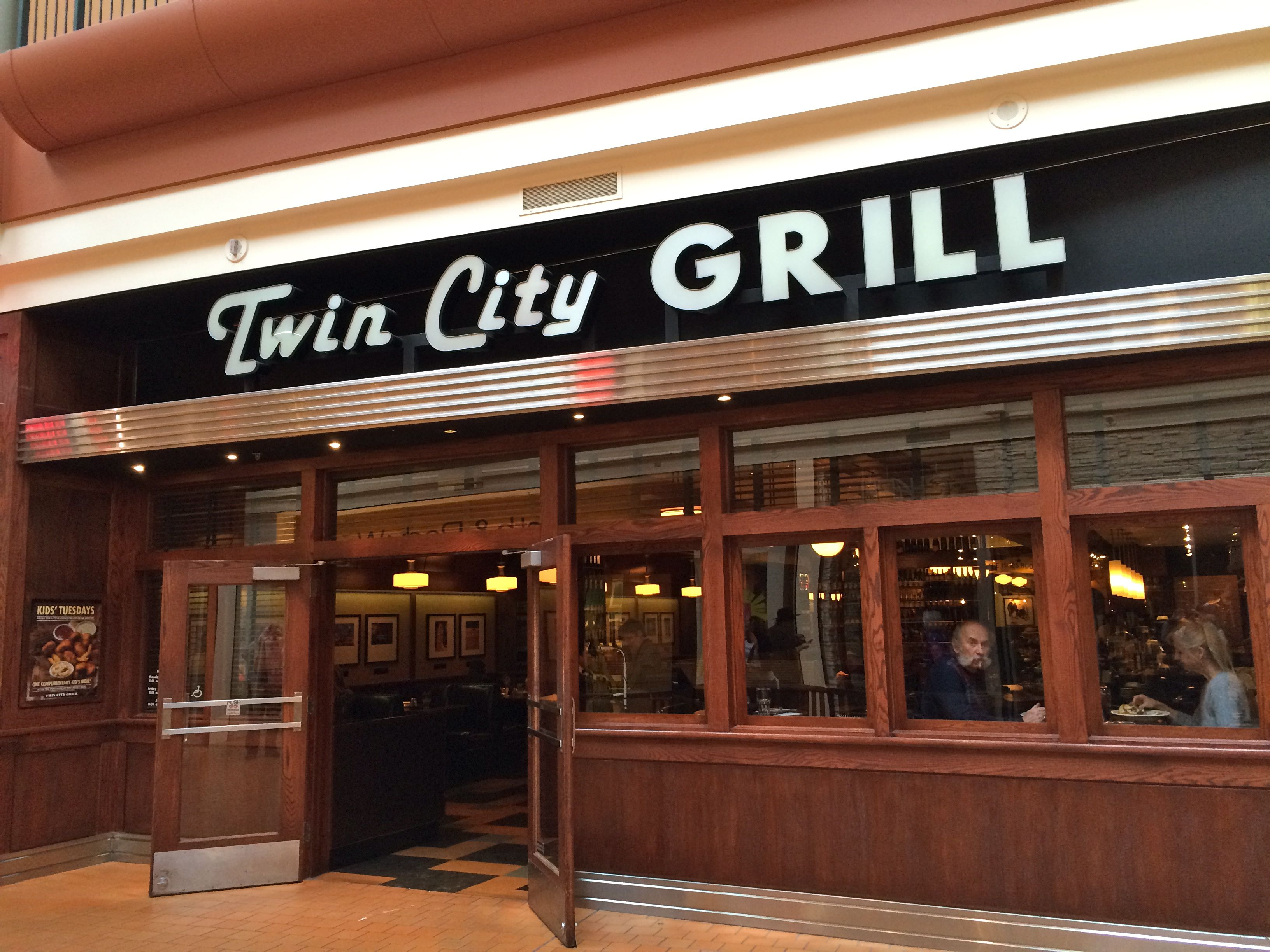 Twin City Grill MALL OF AMERICA 130 N. Garden - 1st Floor ...