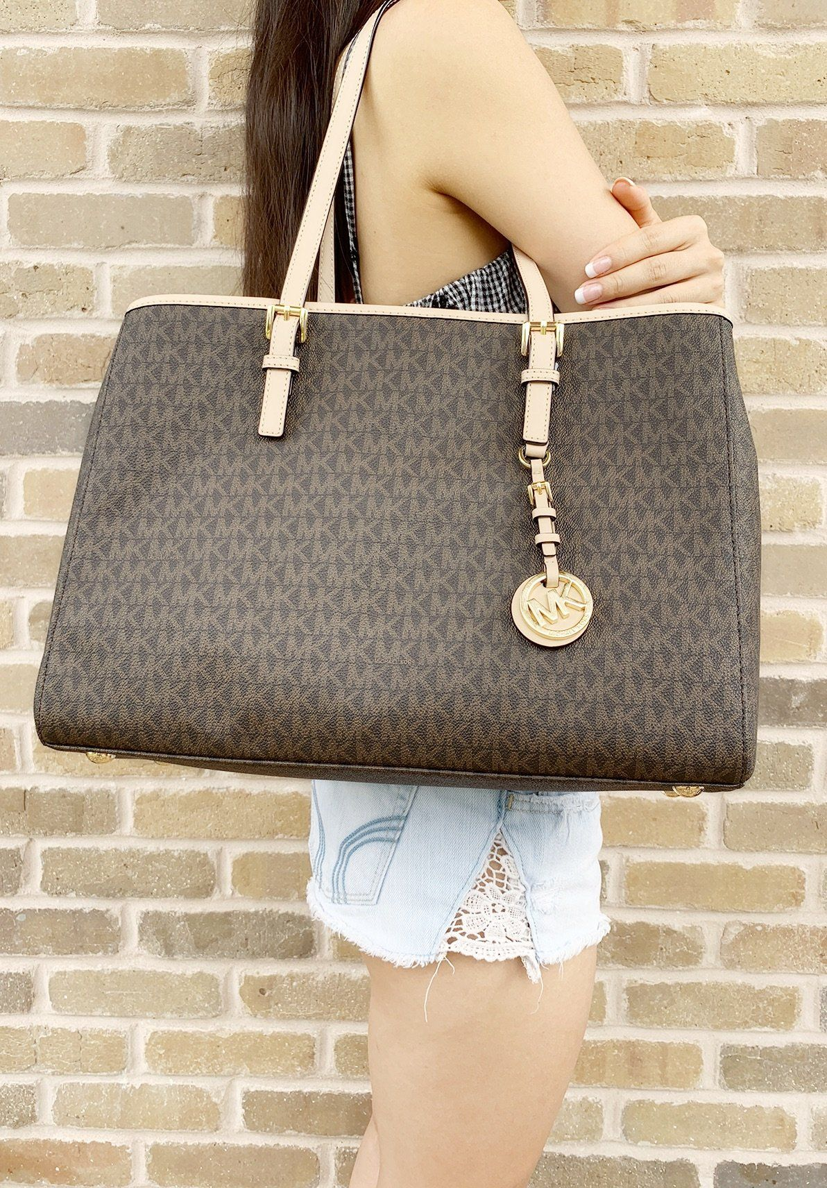 c09d2c494acea3 Too good not to share: Michael Kors Jet Set Large Tote Brown MK ...