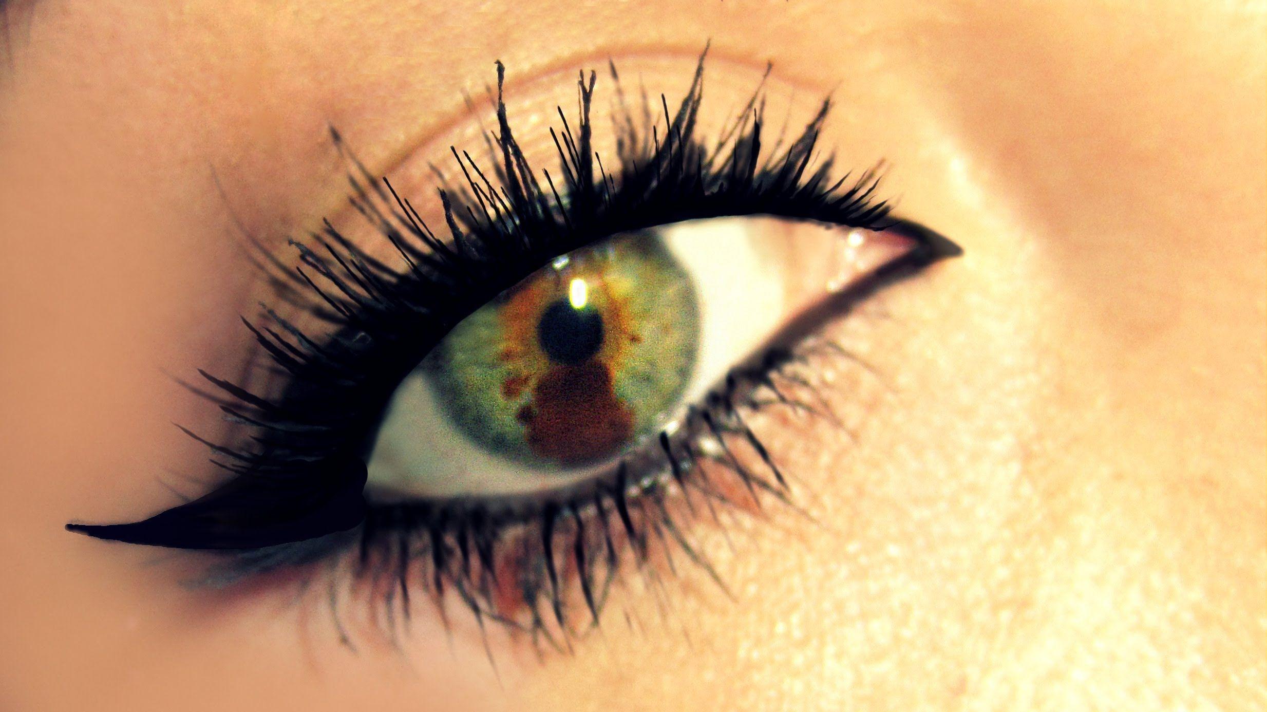 Liquid Eyeliner for Dummies! Hey it's for me! Haha