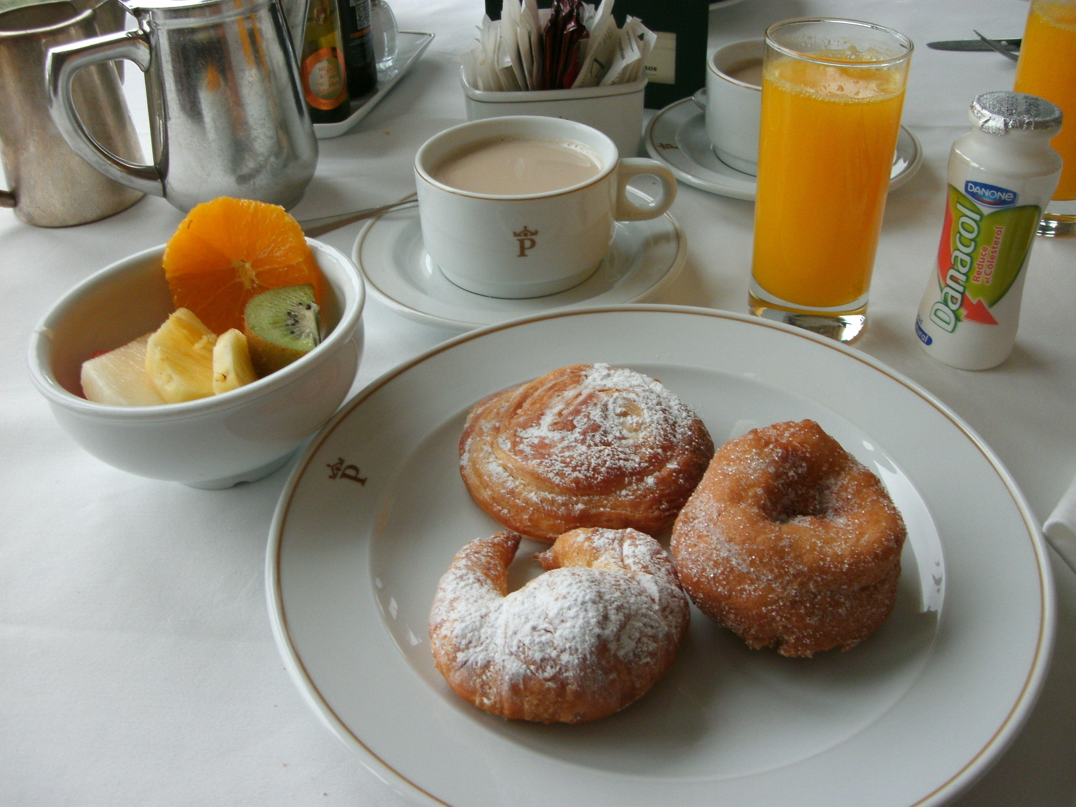 Desayuno en el Parador Nacional de Soria