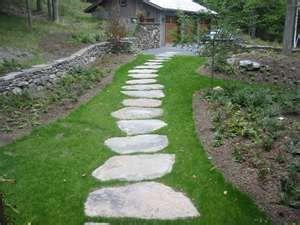Garden Stepping Stones Make The Perfect Natural Garden Walkway Walkway Landscaping Backyard Walkway Stepping Stone Pathway