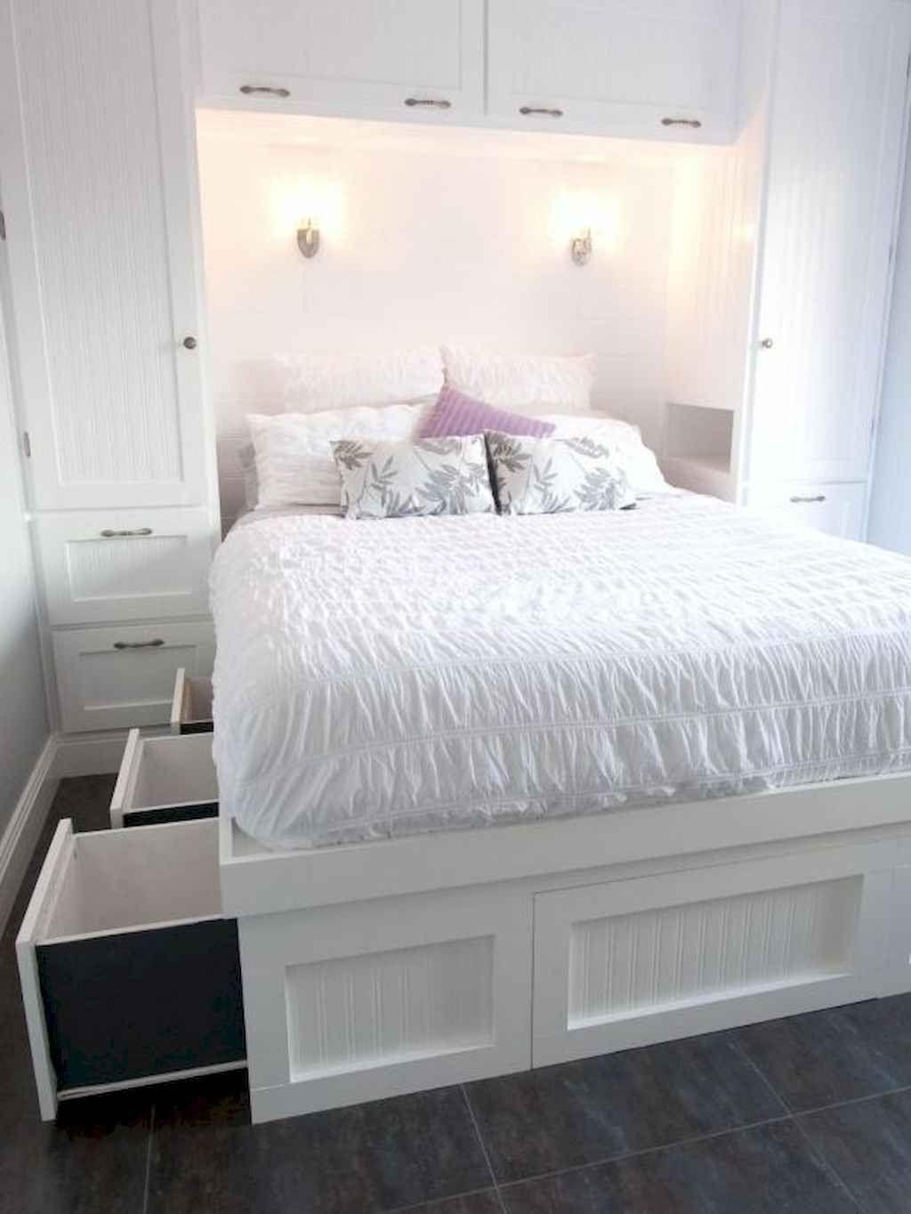 01 Cozy Small Master Bedroom Decorating Ideas - Decoradeas